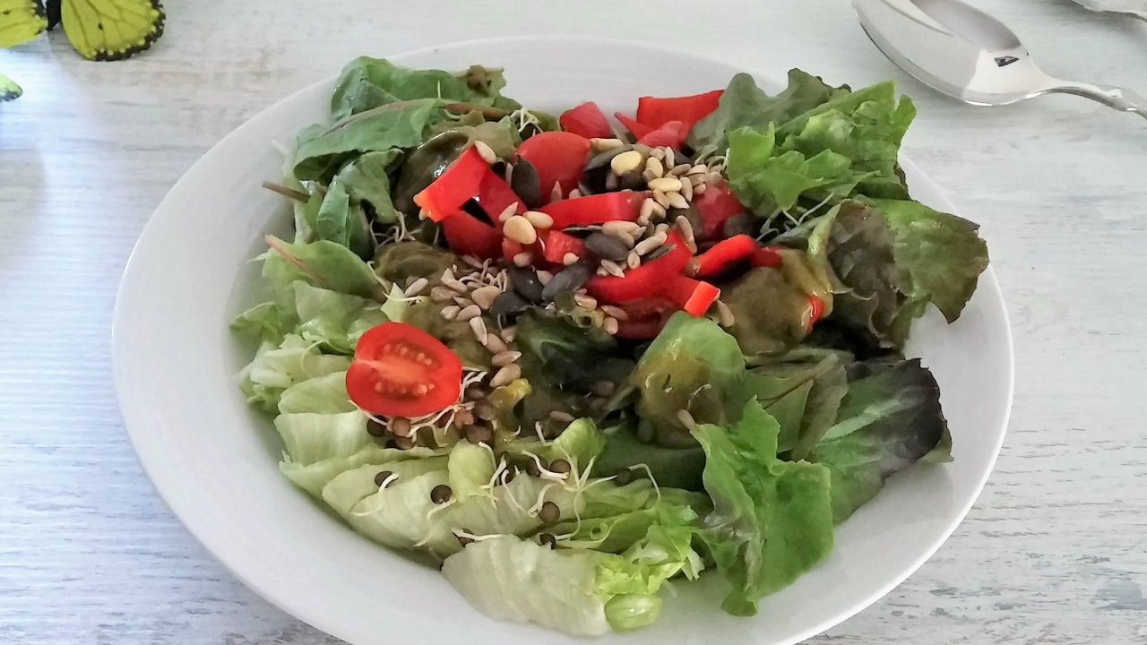 Food: Sommerlicher Blattsalat